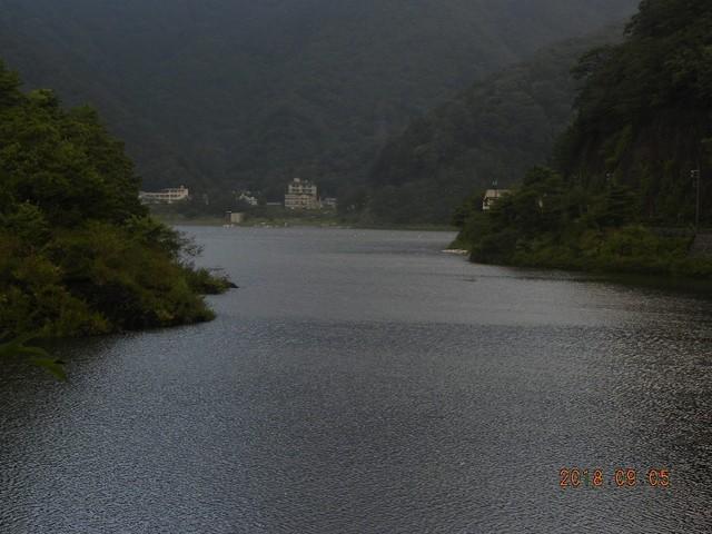 180905-2台風明湖畔荘前小島隠れる②